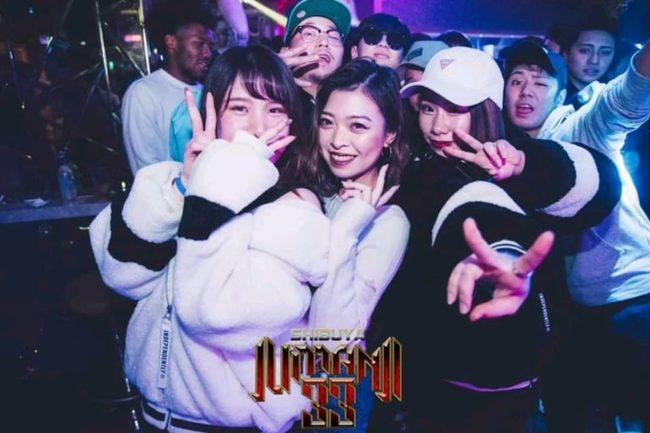 Singles nightlife Tokyo pick up girls get laid Roppongi